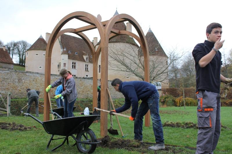 Suite du chantier au Château de Corbelin