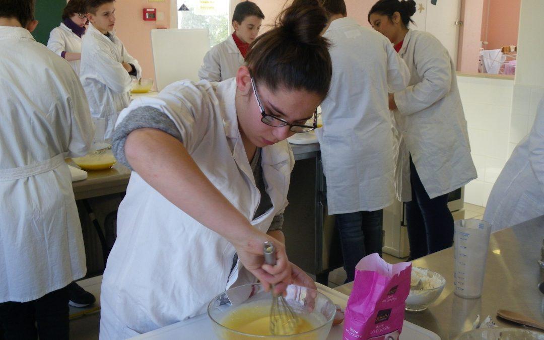 Cours de cuisine avec les élèves de la classe ULIS